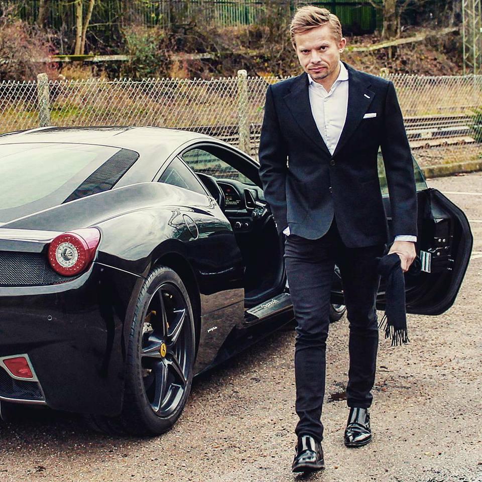 On Board The Ferrari 458 With Lamborghini Aventador